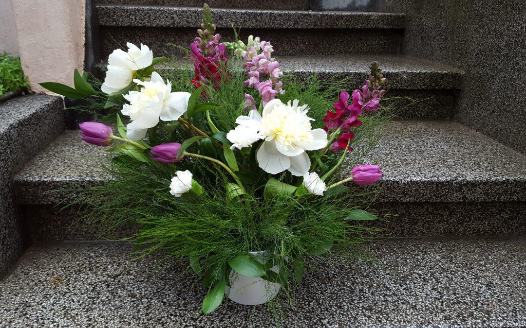 Flori și aranjamente florale