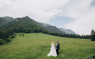 Romantic Wedding to the Mountain